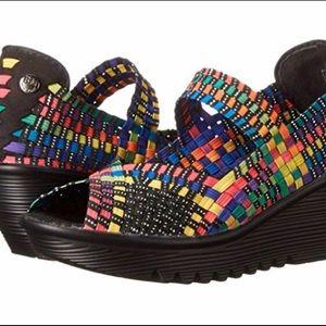 BareTraps Umma Wedge Sandal Size 8